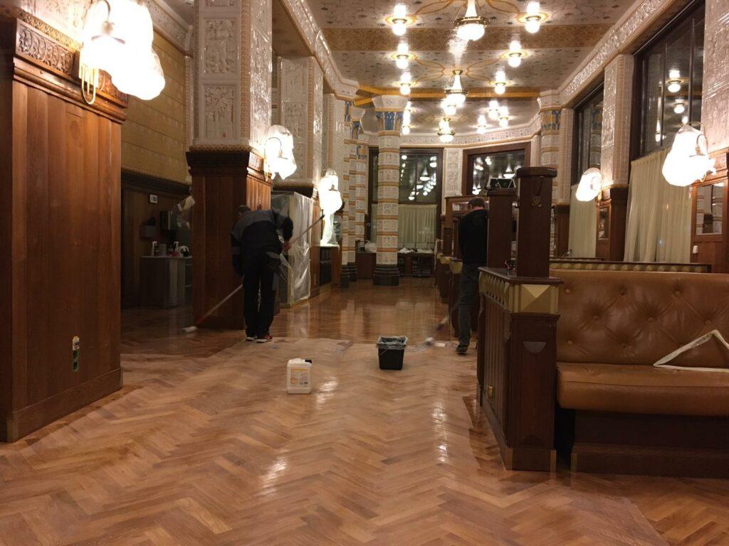 Kompletní renovace masivní dubové podlahy