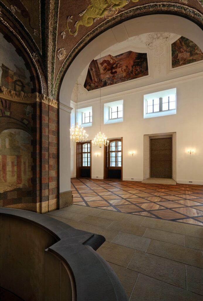 výroba a montáž masivní dřevěné podlahy Šlechtova restaurace Praha