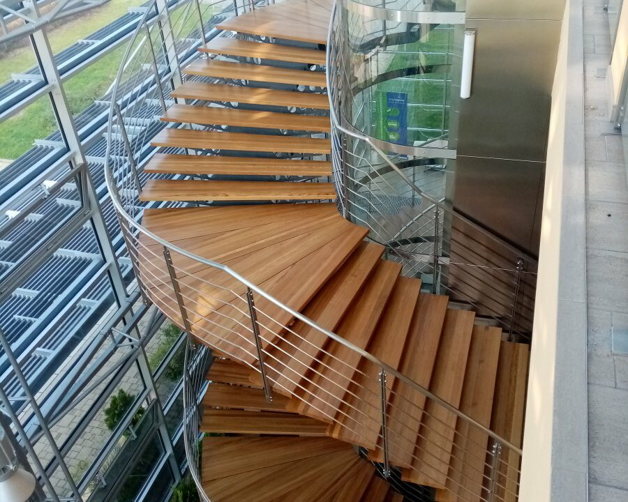schodiště v sídle Kraje Vysočina